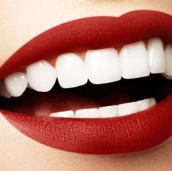 Засіб, яке допоможе вам добитися ідеальної посмішки за лічені хвилини
