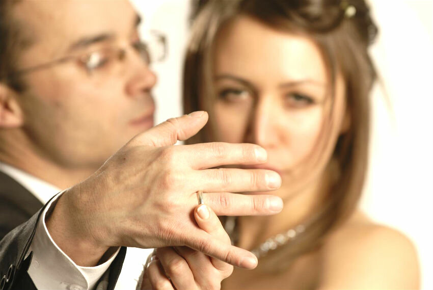 Закохатися в одруженого: плюси і мінуси