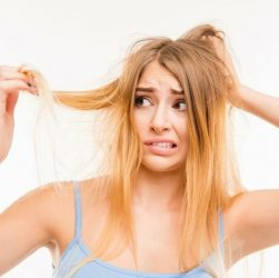 Причини випадіння волосся і що з цим робити?
