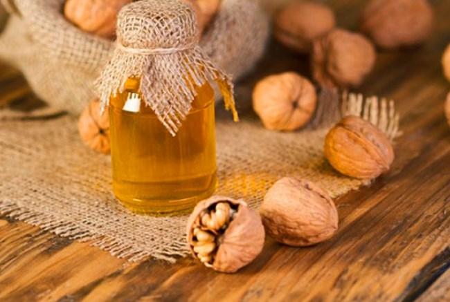 Користь і шкода меду з волоськими (грецькими) горіхами
